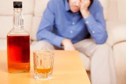 Злоупотребление алкоголем как причина запора
