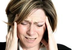 Сильные головные боли - повод для измерения ректальной температуры
