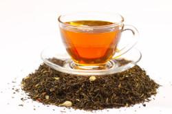 Свежезаваренный крепкий чай при поносе